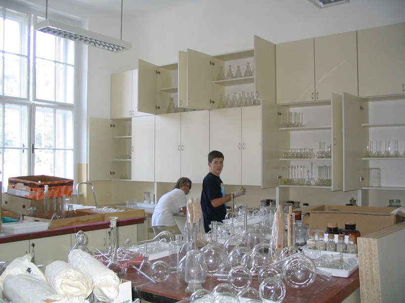 ucilnica2004-16